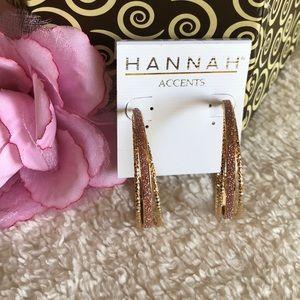 Jewelry - Beautiful gold tone hoops